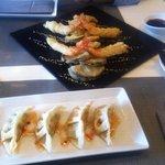 tempura moriawase y gyozas de vegetales