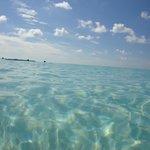 Calmas aguas de Playa Paraíso