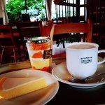 Cheese cake, mango parfait and cafe au lait! ❤️ yummy