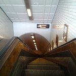 Acho que é a escada rolante mais antiga, se nao é a mais antiga , é a mais barulhenta!