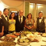A cena, il ricco buffet e l'attento e simpaticissimo personale di sala, tra i quali il Sig. Mich