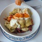 alcachofas con jamón y huevo