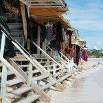 Winkeltjes langs strand