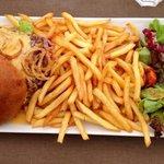 Burger avec frites, 20€