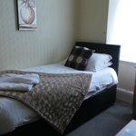 Room 8 -single en-suite