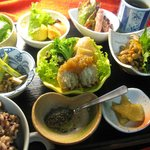 お野菜いっぱいの女性に嬉しいヘルシーディナー1000円~詳細とご予約は、このページ内のサイトのリンクをお開きください。