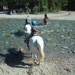 乗馬で楽しむボウ川