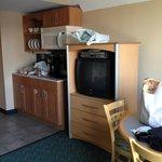 One Bedroom Deluxe Kitchenette & entertainment center