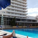The hotel&pool