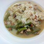 Arroz caldoso con borraja y frutos del mar (mejillones, almejas, calamar, rape...) (um, maravill