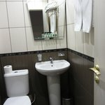 Bathroom with lovely amenities (lotion, shower gel, dental kit etc)