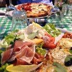 Formules mi-pizza, mi-salade très sympas !