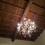 потолок в холле