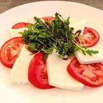 Lunch snack - insalata caprese