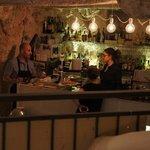 Leonados. V.Nice bar