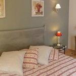 chambre avec lit en 180 cm