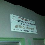 Foto de Food Shark Museum of Electronic Wonders & Late Night Grilled Cheese Parlour
