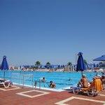 Bassin olympique (1.10m à 4m de profondeur)