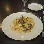 Spaghetti mit Muscheln und Scampi