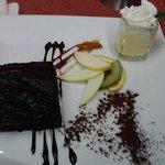 eines von vielen leckeren Desserts, lecker !!!!!!!!!!!!