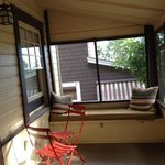 front porch cabin 19