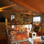 L'ancienne grange restaurée en grand séjour
