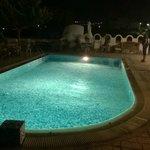 zona piscina à noite