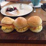 Smoked salmon sliders / pancakes
