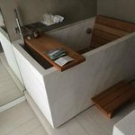 sitting tub (across from opening doors-very nice)