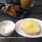 I had brunch, my last meal in KK, here..