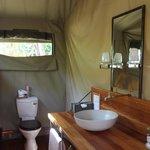 Toilet amenities