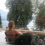 Приятно начинать день в бассейне