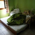 Странная кровать в 2-х уровнях