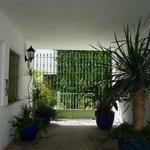 Вход во внутренний дворик