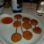crujientes de pato con salsa de citricos
