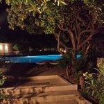 la piscina di notte ... peccato sia chiusa !