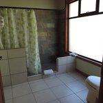 Gran baño con ducha