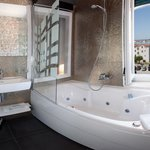 Sea View Spa Bath Corner with jacuzzi tub for 2, lightning & sound therapy, ocean view / Annex