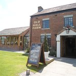 Old Hall Farm resmi