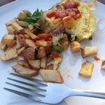 Western omelette with breakfast taters! Yum!!
