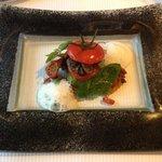 Le farci d'escargots et differentes tomates confites