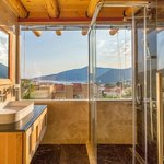 master deluxe bathroom wıth sea view