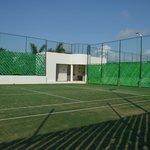 Cancha de tenis sobre cesped