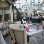 une terrasse qui invite au repas