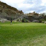 Par 3 guarded by cliffs
