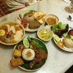 Many local delicacies as Minang and Bangi Kopitiam