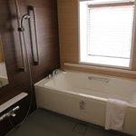 Shower/Tub Room