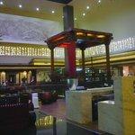 Um antigo pagode é o destaque ncentro do lobby