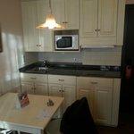 habitación triple/entrada con mini cocina