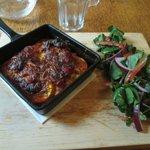 Courgette parmigiana with salad